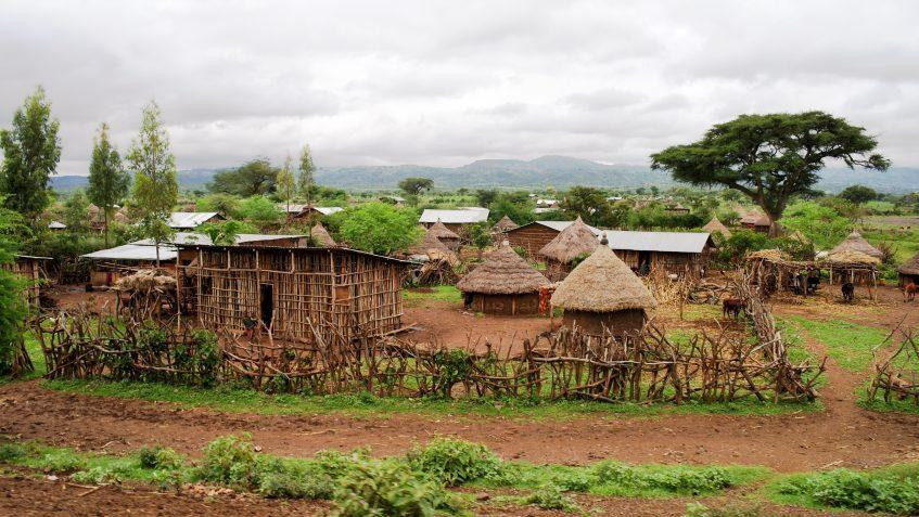 Turmi - Rencontres avec des ethnies -Turmi