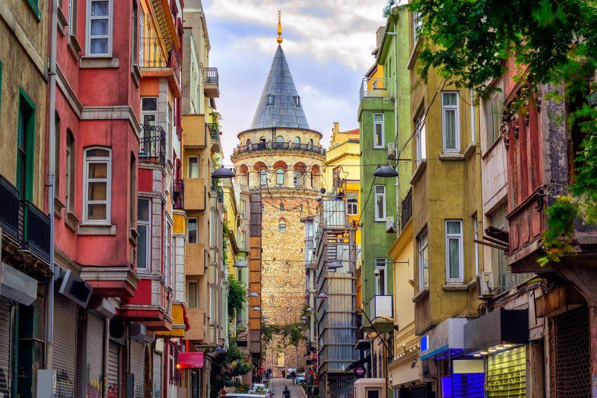 Kusadasi  Izmir - Istanbul (vol)