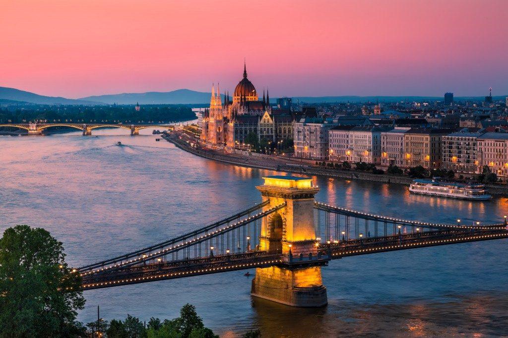 Vienne, Prague, Budapest, Berlin... boat